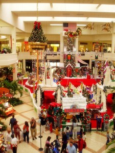 mall-at-christmas